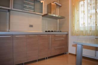 Apartament 3 camere, Sector 4, Vacaresti