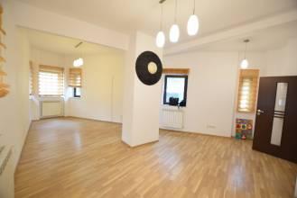 Casa individuala, 11 camere, nemobilata, Sector 3, Alba Iulia